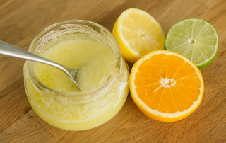 Exfoliante-natural-con-naranja-y-limon